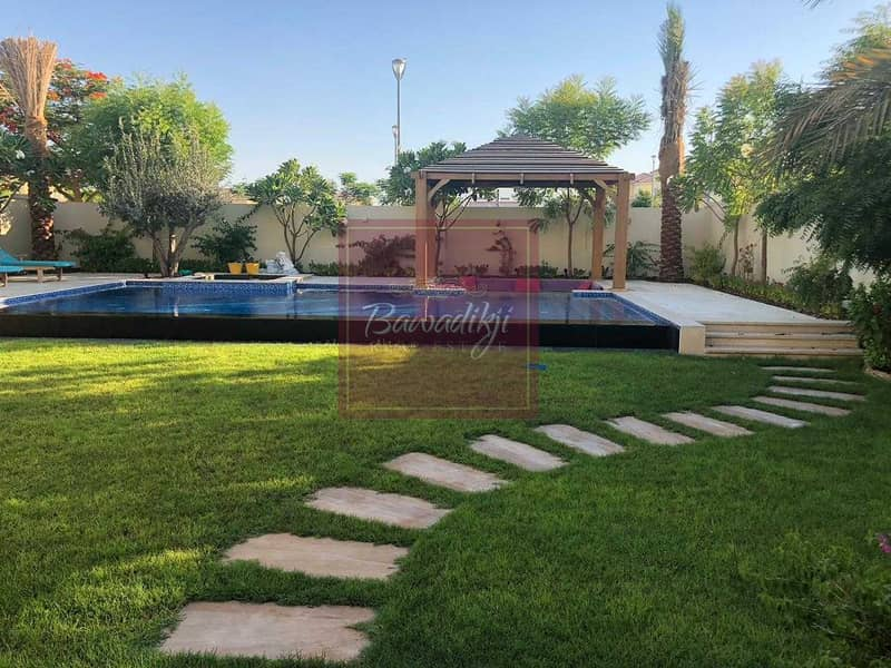 upgraded 3BR with Pool  / 10,000 SQFT plot size