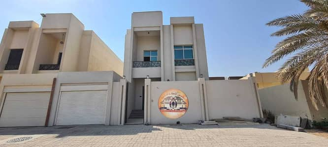 5 Bedroom Villa for Sale in Al Mowaihat, Ajman - Distinctive villa for sale, the first inhabitant, at an exclusive price, with bank facilities, and free ownership for life for all nationalities witho