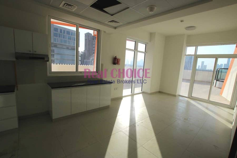 2 Huge Terrace|Brand New|Vacant|Prime Location