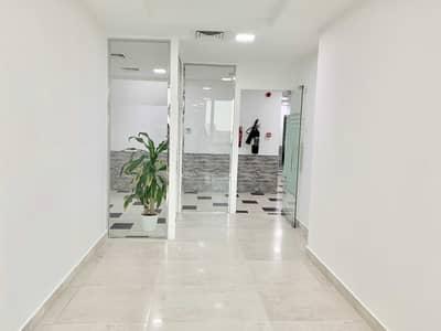 مکتب  للايجار في البرشاء، دبي - مکتب في برشا فالي البرشاء 1 البرشاء 30000 درهم - 5412199