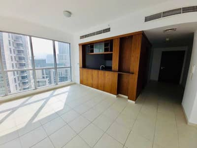 Semi Furnished // Chiller Free // High Floor // Ready to Move
