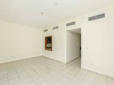2 Bedroom Flat for Rent in Business Bay, Dubai - Executive Tower F Large 2br with 2.5bath