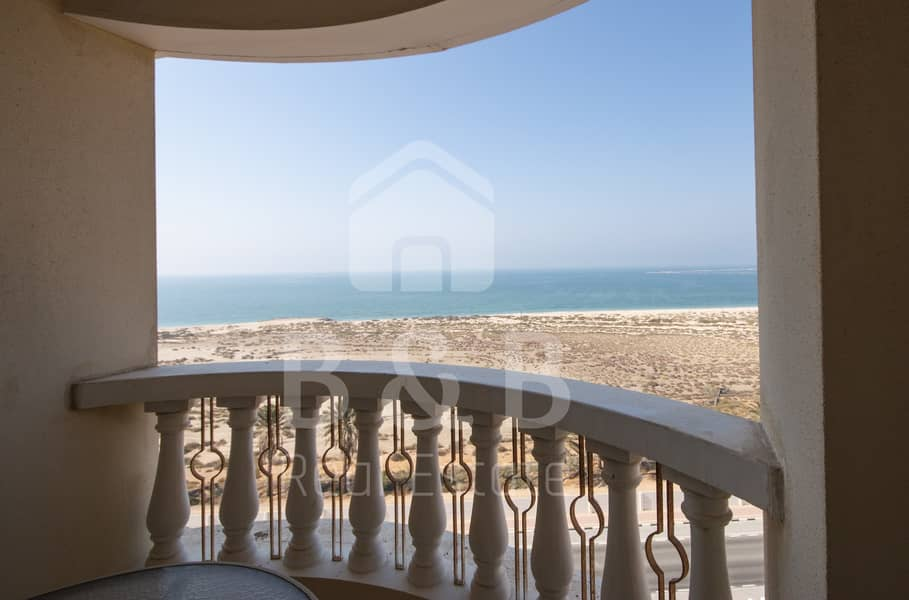 Beautiful Studio Apartment with Great Sea View