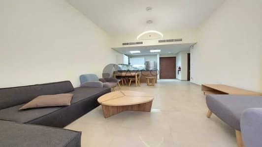 فلیٹ 2 غرفة نوم للايجار في الفرجان، دبي - مفروشة بالكامل | منظر على حمام السباحة | تصميم واسع