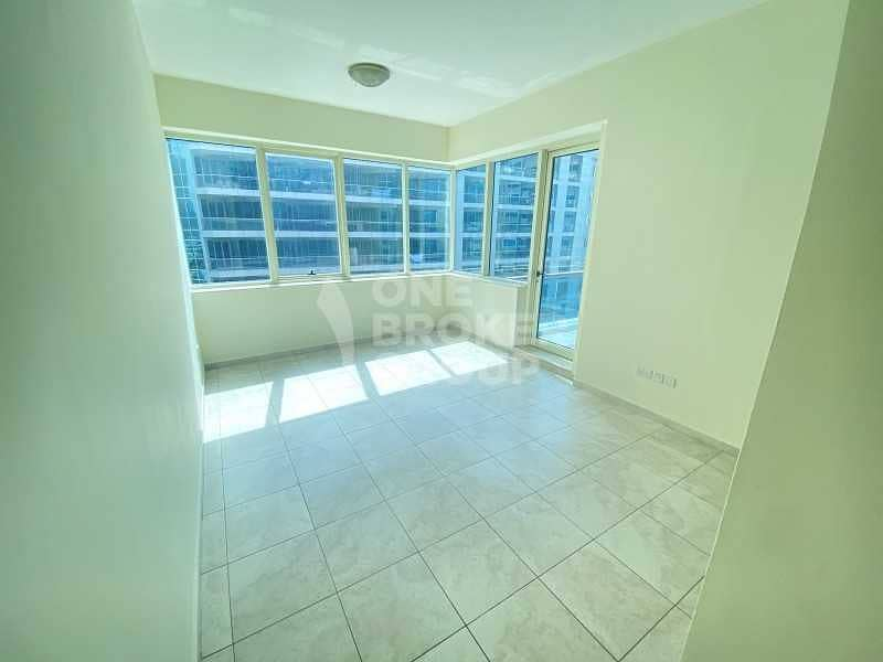 13 Bright | Excellent location | Vacant