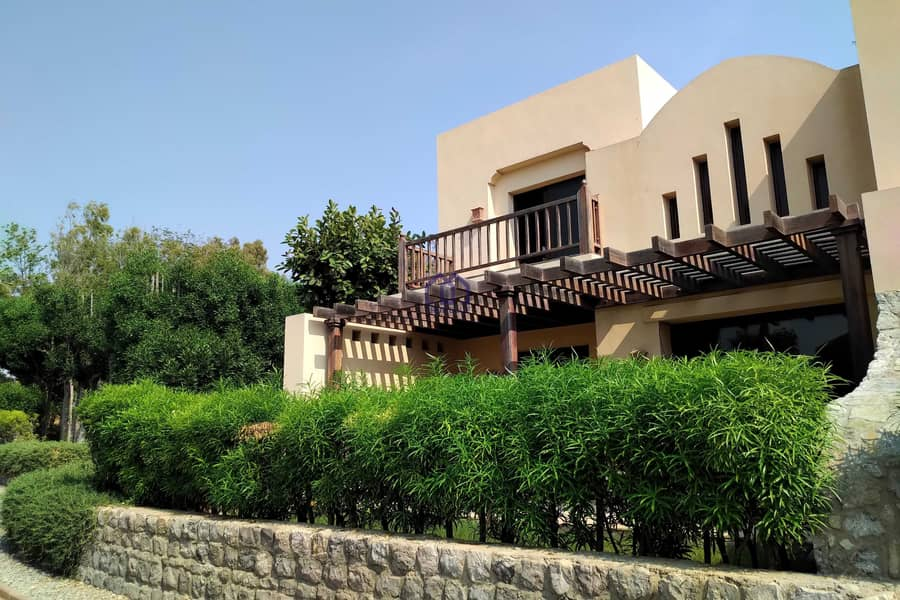VACANT VILLA IN COVE FURNISHED ONE BEDROOM
