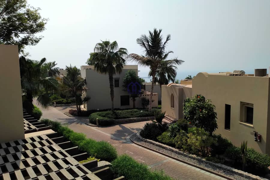 27 VACANT VILLA IN COVE FURNISHED ONE BEDROOM