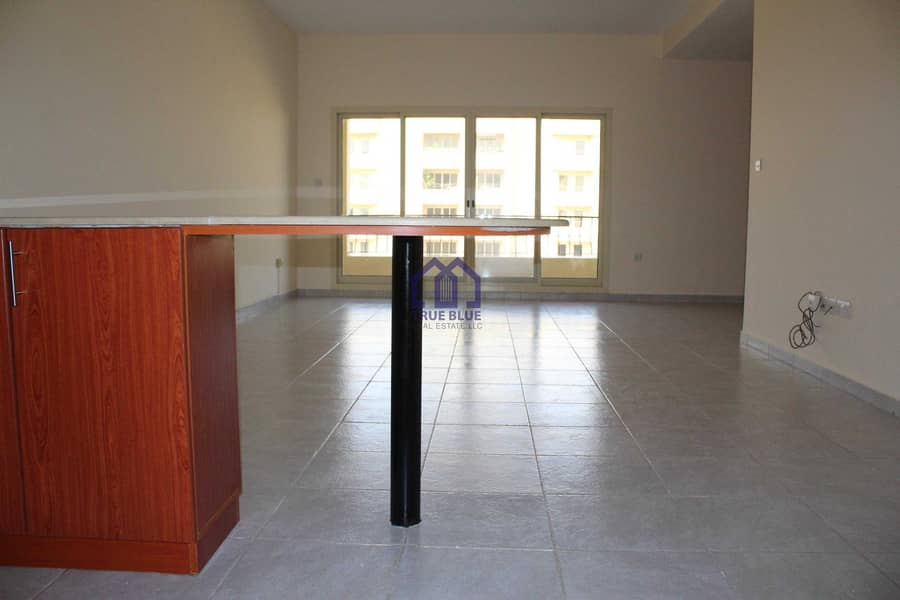 2 Big Studio|Well Maintained|Near mall|Best deal|Sale