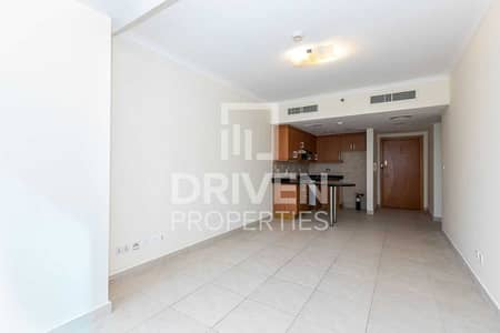 1 Bedroom Flat for Sale in Jumeirah Lake Towers (JLT), Dubai - Elegant and Upgraded Unit with Lake View