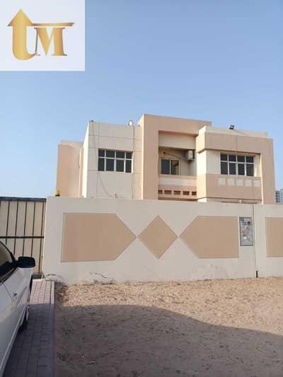 فیلا 5 غرف نوم للايجار في البرشاء، دبي - فیلا في البرشاء 2 البرشاء 5 غرف 160000 درهم - 5415253