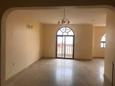 فلیٹ 4 غرف نوم للايجار في القليعة، الشارقة - 4 Bedrooms
