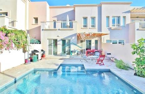 فیلا 3 غرف نوم للبيع في الينابيع، دبي - Beautiful 2M | Upgraded | Private Pool | VIEW NOW