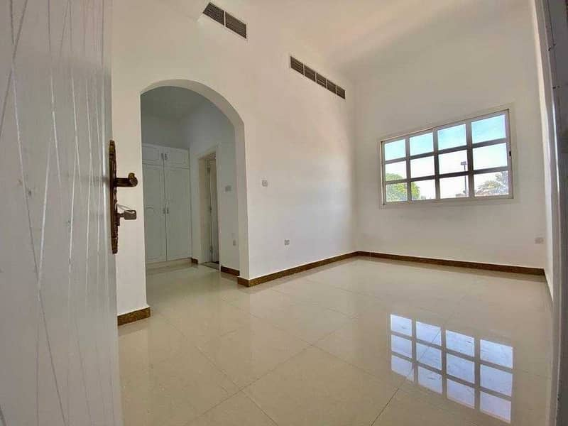 Stunning studio apartment in muroor road /no commission fee!