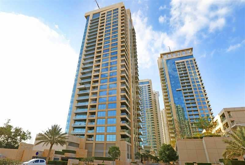 Amazing 1 Bed with Golf Course and Lake View