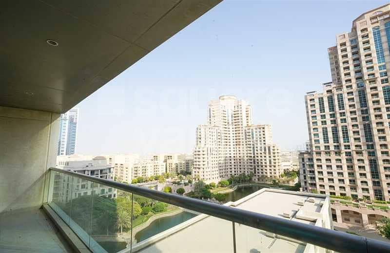 2 Amazing 1 Bed with Golf Course and Lake View