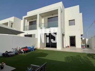 تاون هاوس 2 غرفة نوم للايجار في جزيرة ياس، أبوظبي - تاون هاوس على صف واحد مع حديقة كبيرة .