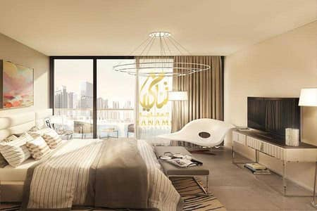1 Bedroom Apartment for Sale in Business Bay, Dubai - Burj Khalifa and Canal View   Luxury Living   High Floor