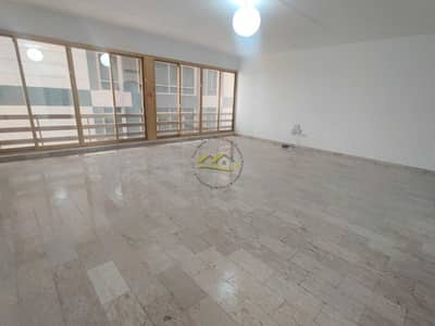 3 Bedroom Flat for Rent in Corniche Road, Abu Dhabi - MARVELOUS 3 BHK APARTMENT  NEAR SEA VIEW