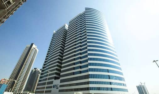 Office for Sale in Business Bay, Dubai - FURNISHED FITTED OFFICE WITH PARTITIONS CANAL VIEW