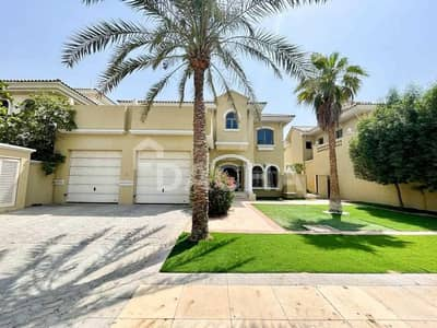 4 Bedroom Villa for Rent in Palm Jumeirah, Dubai - High No / Call Now To View! / Well Maintained