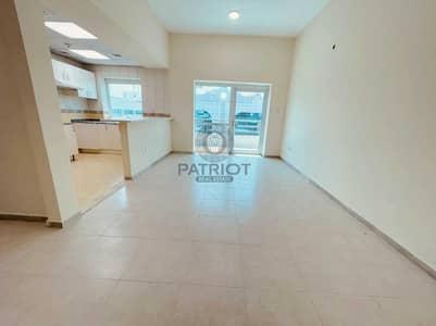 2 Bedroom Flat for Rent in Bur Dubai, Dubai - 2BR with Balcony | Near ADCB Metro