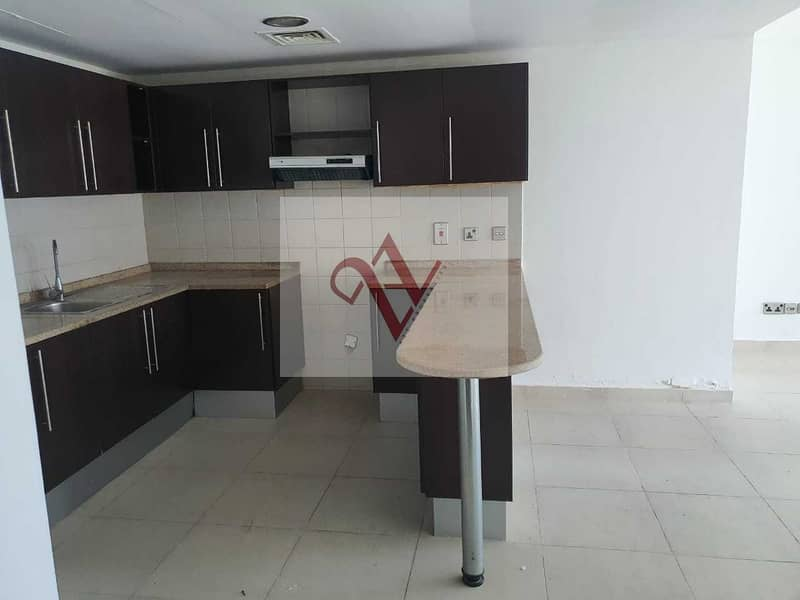 2 Exclusive 1 bed   Spacious Balcony  Immediate Rent !