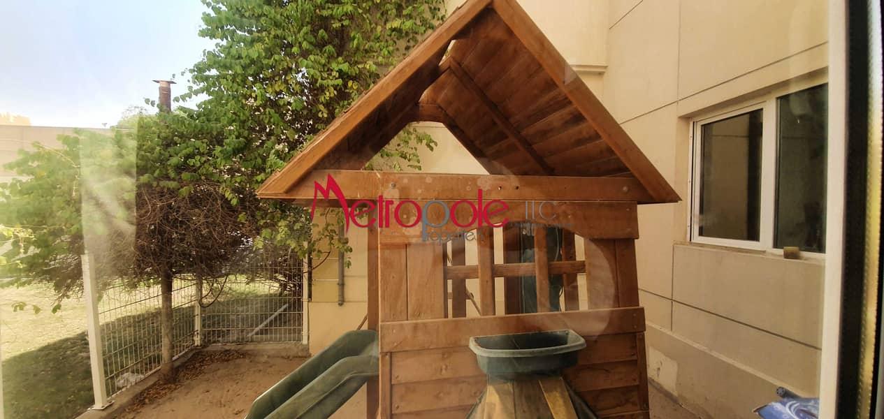 2 Vacant Villa   Barsha 2   With Pool