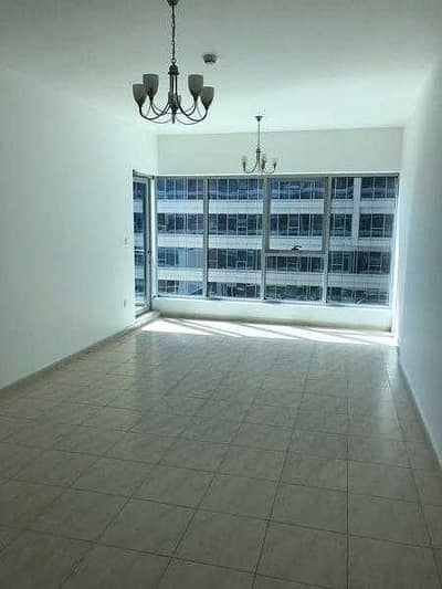 chiller free huge  studio for rent very near to financial metro station