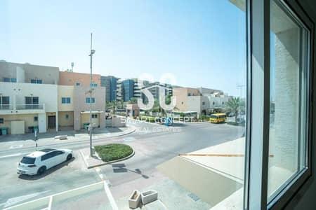 فیلا 2 غرفة نوم للبيع في الريف، أبوظبي - Beautiful Townhouse | Maids Room | Private Garden