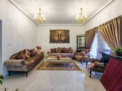 فیلا 3 غرف نوم للبيع في البحيرات، دبي - Exclusive Fully Upgraded   Facing Park & Pool