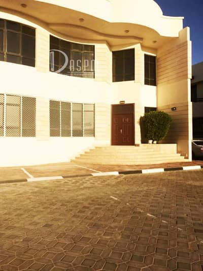 Hot offer 4 plus 1 beds Villa in MBZ 120k Hurry up