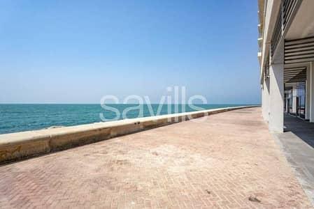محل تجاري  للبيع في جزيرة المرجان، رأس الخيمة - Retail space I sea view | Shell & Core I Good price