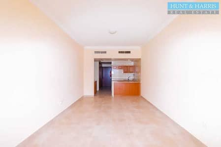 Studio for Rent in Al Hamra Village, Ras Al Khaimah - Walkable to the Beach - Ground Floor Unit - Ready to Move-in