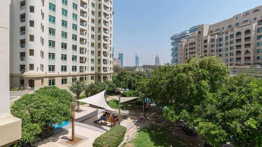 شقة 1 غرفة نوم للبيع في نخلة جميرا، دبي - Vacant Ground Floor Park Facing Unit in Shoreline