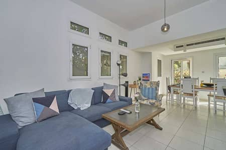 3 Bedroom Townhouse for Sale in The Lakes, Dubai - Very Well-Maintained BE Unit in Zulal