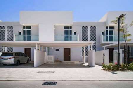 2 Bedroom Townhouse for Sale in Mudon, Dubai - Beautifully Designed Home with Maid's Room