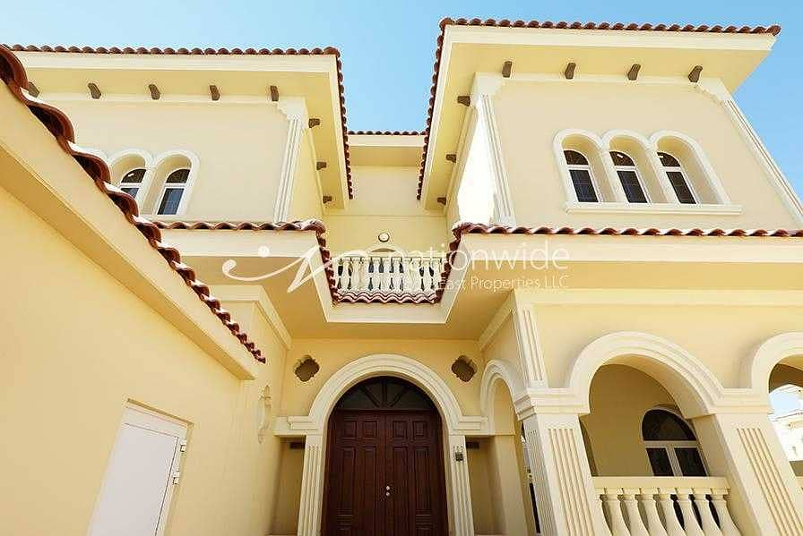 Warm and Welcoming Villa With Rent Refund + Pool