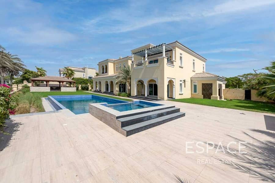 2 Field Backing F Type Polo Home 6 Bedroom