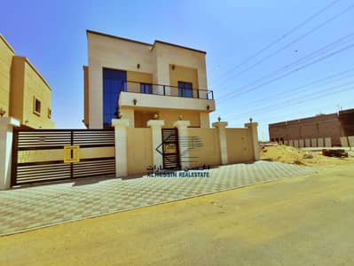 5 Bedroom Villa for Sale in Al Yasmeen, Ajman - Distinctive villa for sale in Ajman directly from the owner, the latest finishing, the price is attractive.