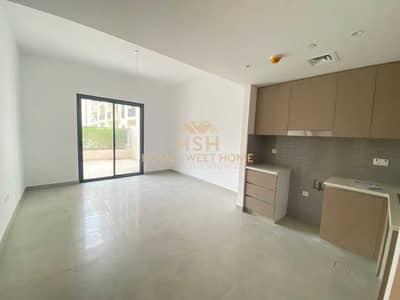 فلیٹ 1 غرفة نوم للبيع في الخان، الشارقة - غرفة و صالة مع تراس كبير   جاهز للسكن  