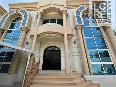 فیلا 8 غرف نوم للايجار في المشرف، أبوظبي - Grandiose Gated Villa Suitable For Your Beautiful Family!