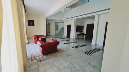 6 Bedroom Villa for Rent in Palm Jumeirah, Dubai - Fully Furnished   Luxury Signature Mansion in Palm Jumeirah