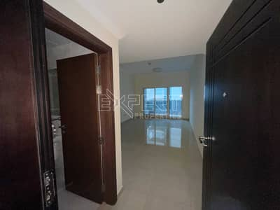 شقة 1 غرفة نوم للايجار في الخليج التجاري، دبي - شقة في برج ارت XV الخليج التجاري 1 غرف 55990 درهم - 5431620