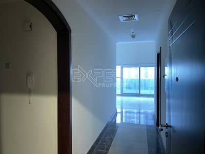 2 Bedroom Flat for Rent in Business Bay, Dubai - Huge Apartment | Two Large Terrace | Maid Room | laundry Room
