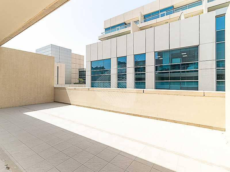 Spacious Terrace | Secure Building | Vacant
