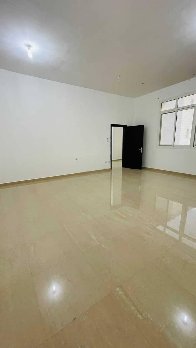 شقة في مدينة شخبوط (مدينة خليفة ب) 1 غرف 38000 درهم - 5329398