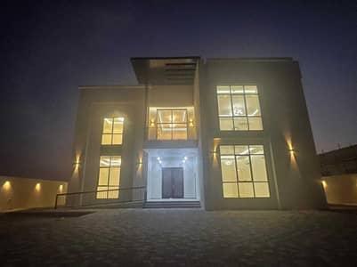 فیلا 5 غرف نوم للايجار في العوير، دبي - فیلا في العوير 5 غرف 200000 درهم - 5434563