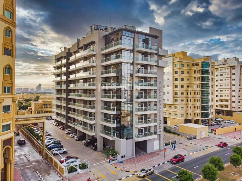 13 Big Balcony    Beautiful One Bed Apt   Great  Amenities   Prime Locations !!!