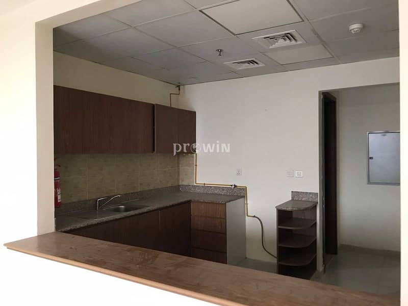 2 Beautiful Two Bed Apt  With Big Balcony  Luxury Spacious    Great Amenities   JVC !!!