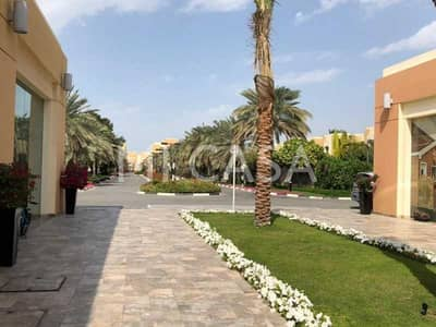 4 Bedroom Villa for Rent in Abu Dhabi Gate City (Officers City), Abu Dhabi - Gated compound   Own garden + balcony